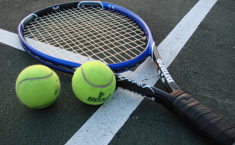 Tennis_Racket_and_Balls